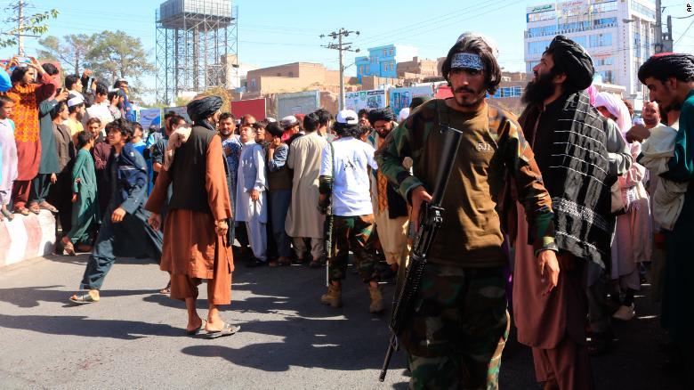 طالبان تعلق جثث 4 خاطفين مزعومين في ساحات عامة بمدينة هرات