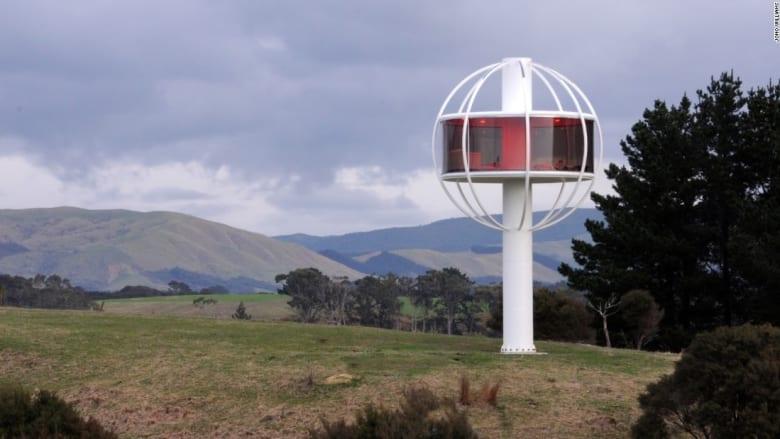 شاهدوا هذا المنزل الغريب.. يعمل بالصوت والطاقة الشمسية