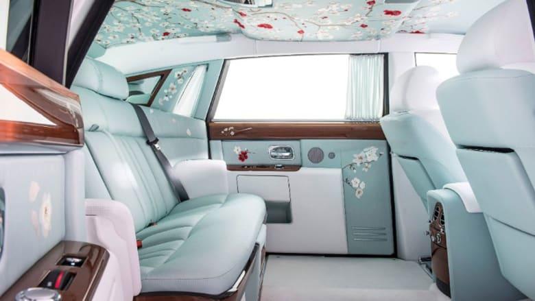لؤلؤ وحرير وزهور كرز.. هل هذه أجمل سيارة في العالم؟