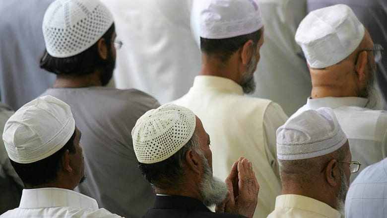 شاب يقتل إمام مسجد وأحد المصلين عقب صلاة الفجر بشمال المغرب