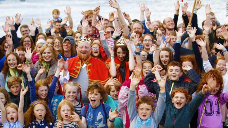 """بالصور: مؤتمر دولي في أيرلندا  """"للصهب"""" فقط!"""