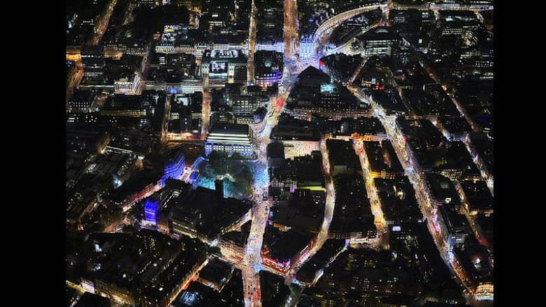 راقية ومتلألئة بالأضواء.. شاهد لندن من السماء