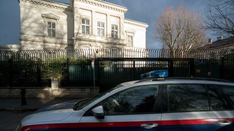 إطلاق النار على شخص يحمل سكينا خارج منزل السفير الإيراني في فيينا