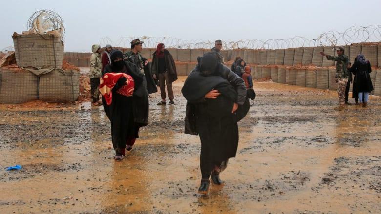 روسيا تعثر على 300 جثة في مقبرة جماعية قرب مخيم الركبان
