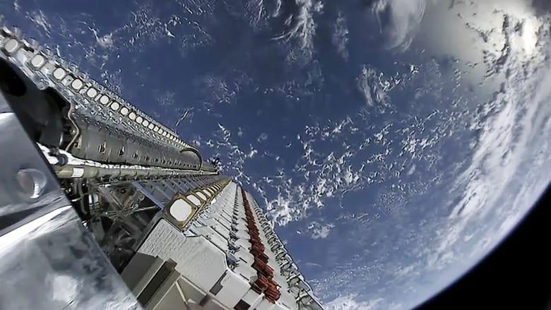 """رغم كورونا.. سبيس إكس تواصل إطلاق القمر الصناعي """"ستارلينك"""""""