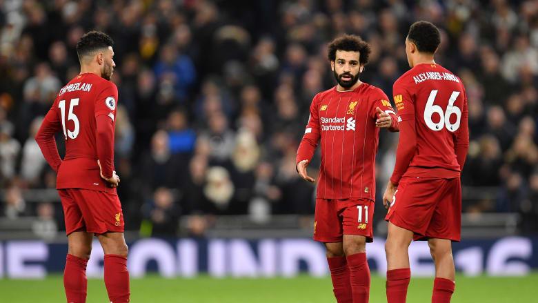 """فيديو متداول.. نجما ليفربول يسخران من زميلهما بسبب تقييمه في لعبة """"FIFA 21"""""""