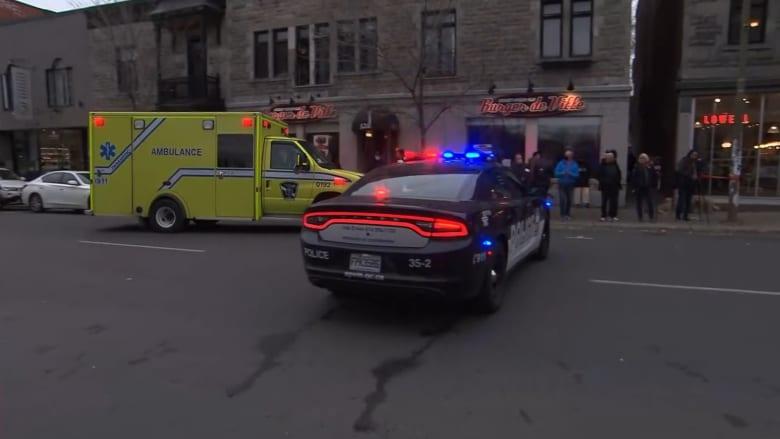 اللحظات الأولى لتدخل الشرطة وتفتيشها مبنى في مونتريال