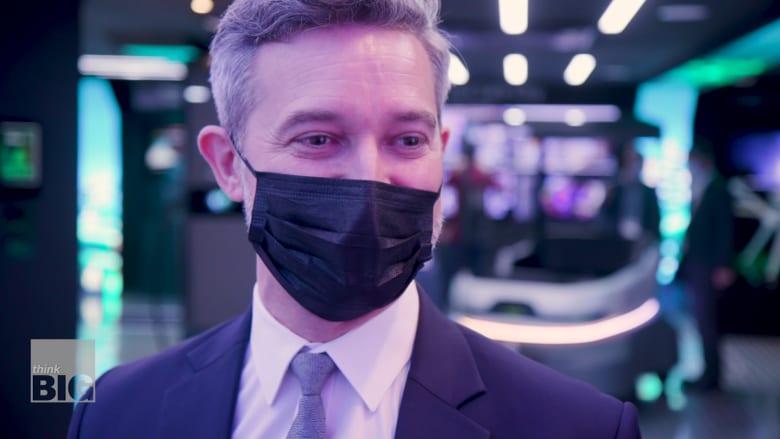 """""""رئيس المستقبليين"""" في دبي نوح رافورد يقول إن صناعة الألعاب ستكون أكبر من الاقتصاد المادي"""