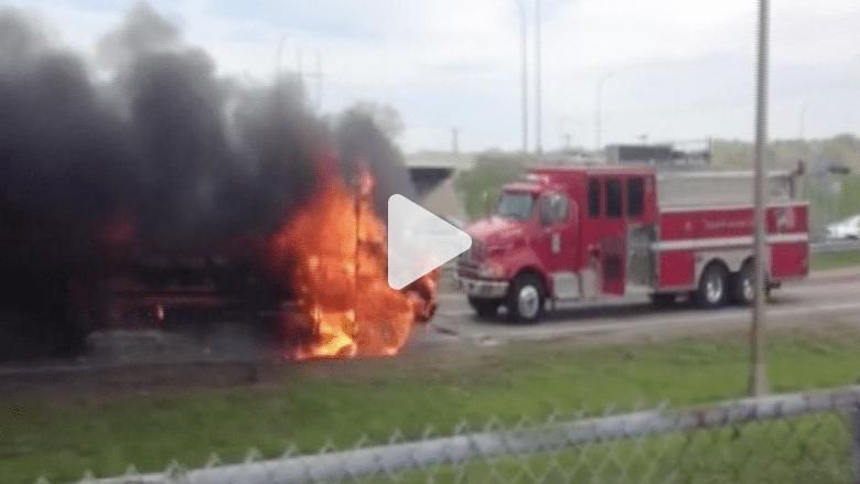 بالفيديو.. حريق يلتهم حافلة مدرسية في مينيابوليس الأمريكية