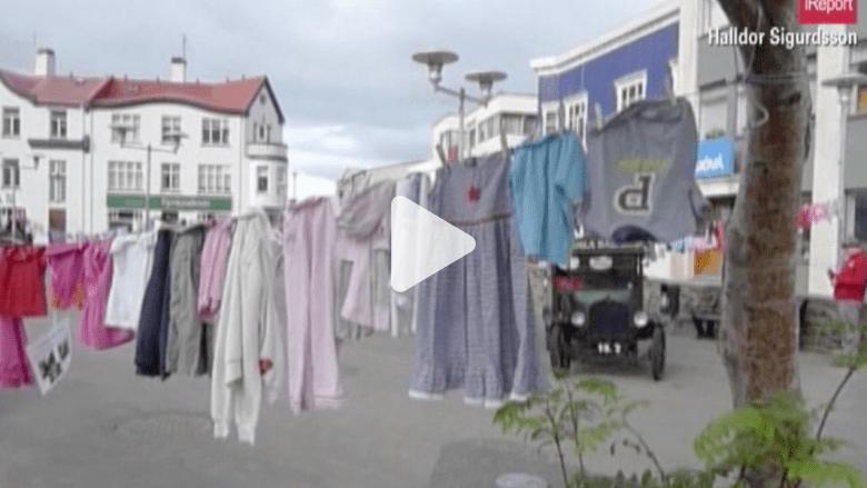 غسيل للأطفال القتلى في غزة .. على حبل في أيسلندا