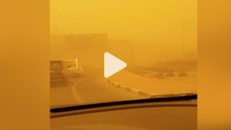 شاهد بالفيديو.. حالة الطرق أثناء العاصفة الرملية بدبي