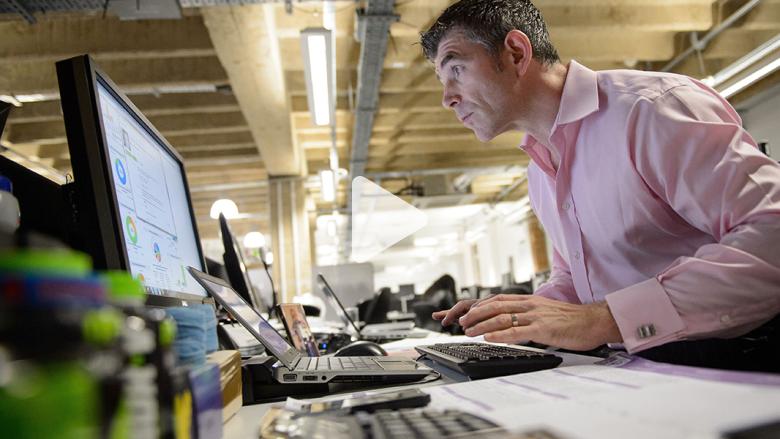 """كيف تؤثر الوظيفة المكتبية على """"شعورك بالرضا"""" تجاه ما تقوم به؟"""