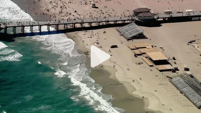 بالفيديو.. ذعر على شاطيء بكاليفورنيا بعد هجوم قرش عملاق
