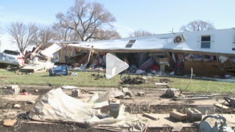 بالفيديو: فيضانات وأعاصير تشرد مئات الأسر في مناطق متفرقة بأمريكا