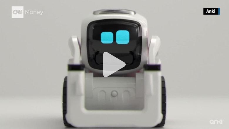 """تعرف إلى روبوت """"Wall-E"""" حقيقي.. يحب التلاعب والتعرّف إلى الآخرين"""