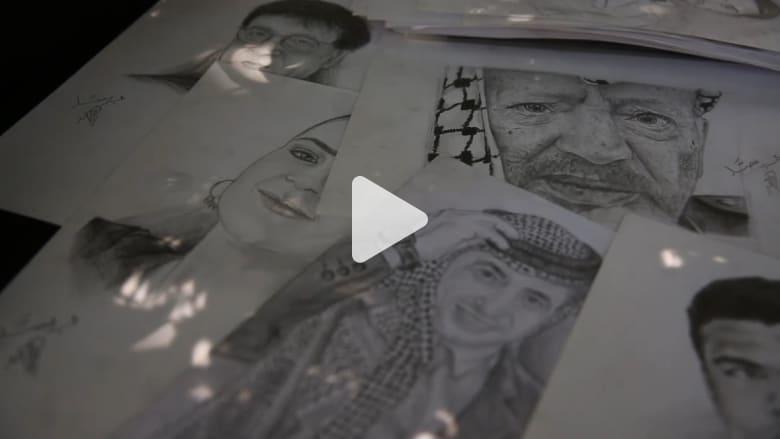 """عدسة """"CNN"""" في غزة ... بقلم الفحم يبدع محمد العصار برسمه للشخصيات الفلسطينية والعربية"""