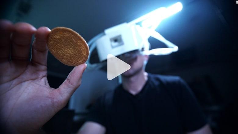 التلاعب بالعقل: نظارة للواقع الافتراضي تتحكم بحاسة الذوق في المستقبل