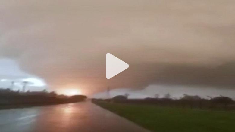 شاهد.. إعصار يضرب السواحل الغربية لإيطاليا ويقتل شخصين