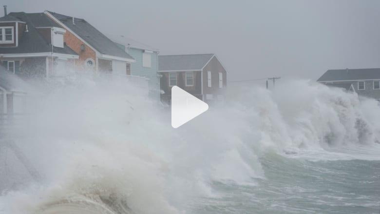 """""""إعصار القنبلة"""" يضرب الساحل الشرقي لأمريكا"""