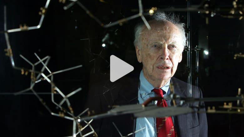 """رائد في علوم الحمض النووي يجرّد من """"نوبل"""" بعد تعليقات عنصرية"""