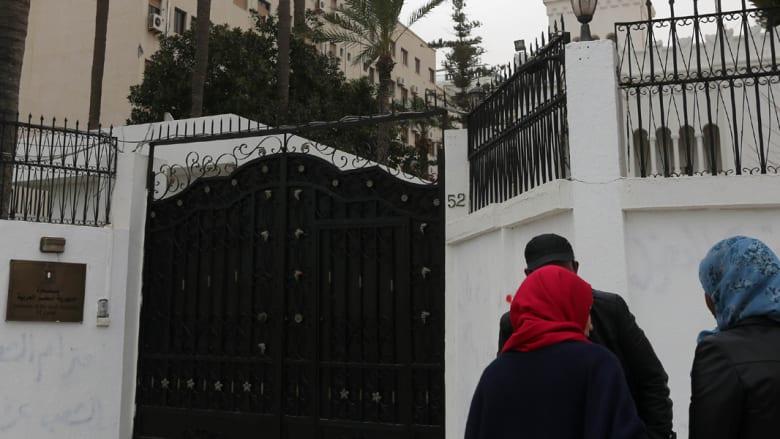 اعتذارات متبادلة تطوي أزمة اختطاف الدبلوماسيين بين مصر وليبيا