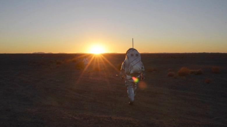 بدلة للسير على المريخ جرّبت فصحّت في المغرب