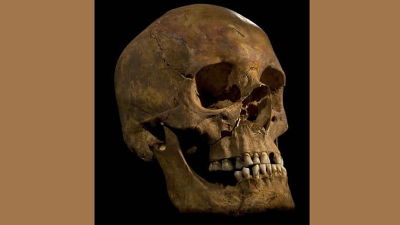 تشكيل وجه للجمجمة التي أطلقت آلاف الأساطير