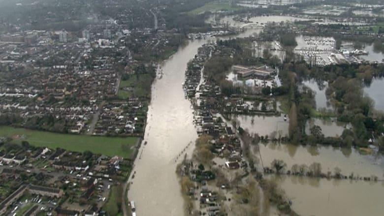 مناطق شاسعة من بريطانيا تغرق والأسوأ متوقع
