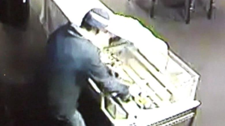 بالفيديو.. عملية سرقة ومفاجأة لم تكن بحسبان اللص