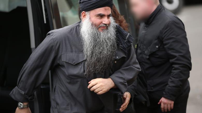 من وراء القضبان.. أبو قتادة يؤيد عمليات النصرة ضد حزب الله