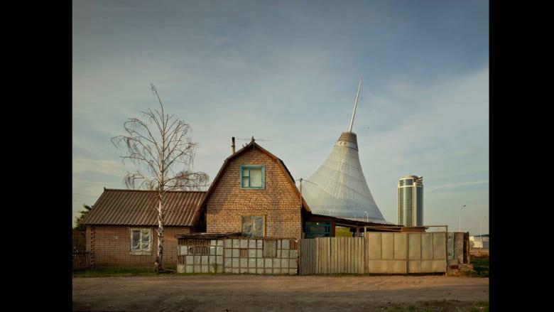 مبنى Khan Shatyr في أستانا في كازاخستان.