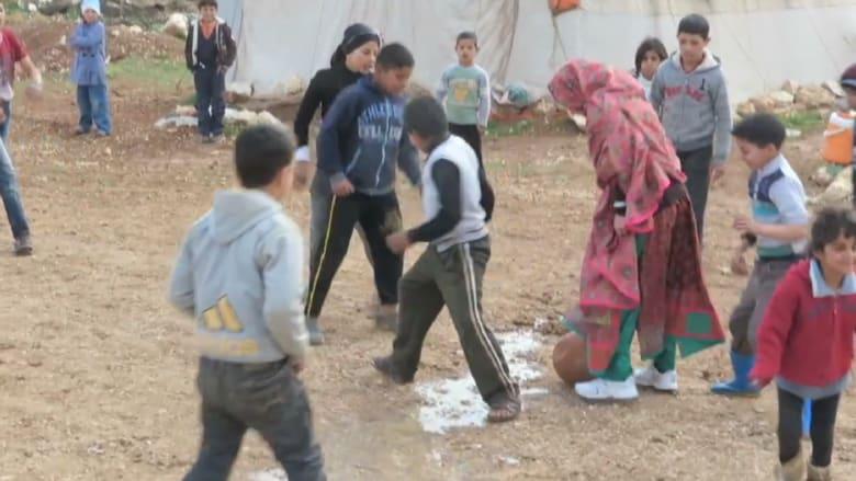 الناشطة ملالا تلتقي لاجئين سوريين على حدود الأردن