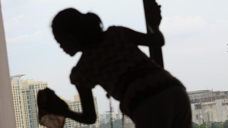 السعودية تتعهد بحماية العمالة الوافدة وعمال يواجهون الإعدام