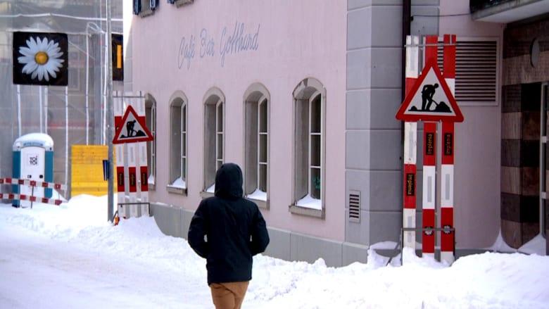 بالفيديو .. ساويرس يعيد الحياة إلى قرية سويسرية منسية