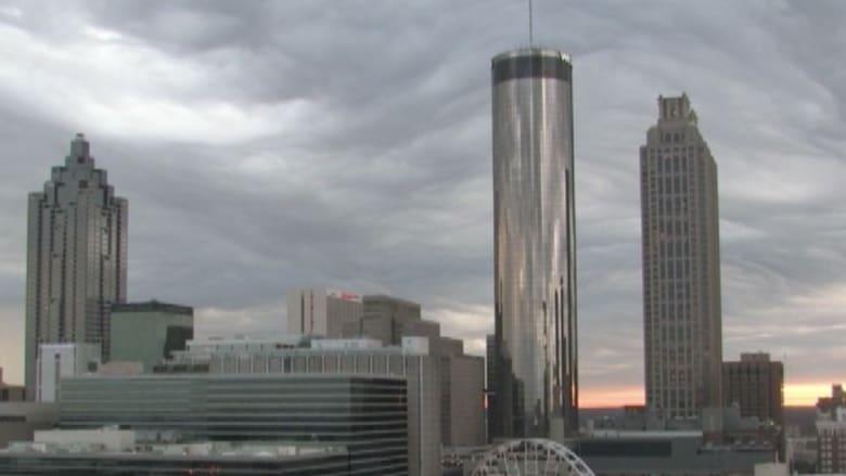 بالفيديو.. ظاهرة غريبة في سماء أتلانتا