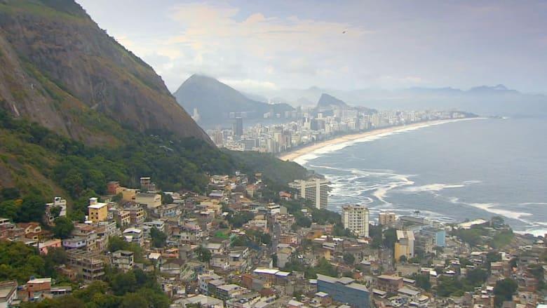 مدن الصفيح تنافس فنادق ريو في كأس العالم