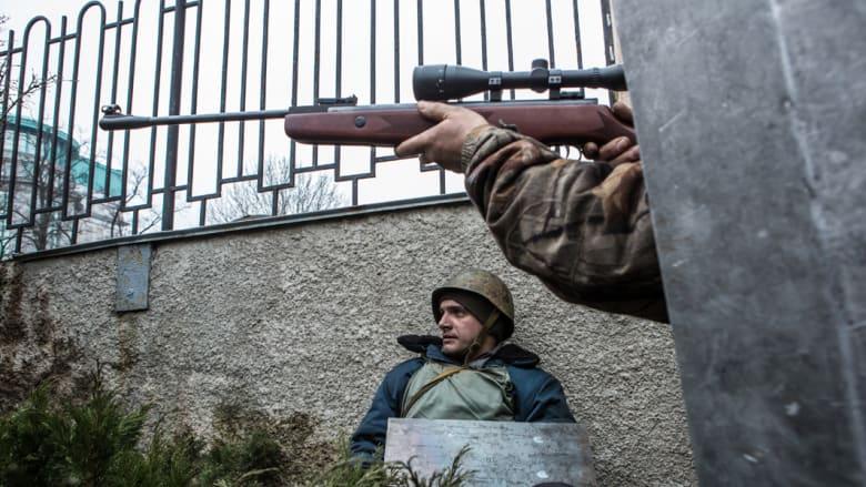 """وزير الداخلية الأوكراني يتهم القوات الروسية بـ""""غزو"""" منطقة القرم بجنوب البلاد"""