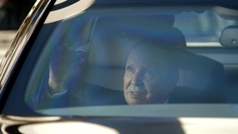 """بوتفليقة خامس مرشح رسمياً.. و""""صدام"""" بين المعارضة والحكومة"""