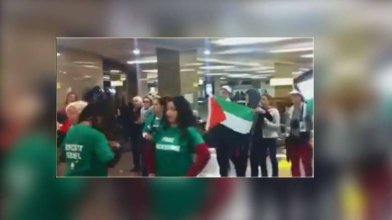 انتهاء أزمة اعتصام 62 ناشطة أجنبية بمطار القاهرة دون دخول غزة
