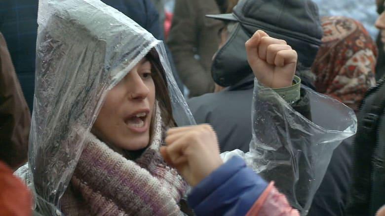 وفاة صبي تعيد الأتراك إلى ميادين المظاهرات