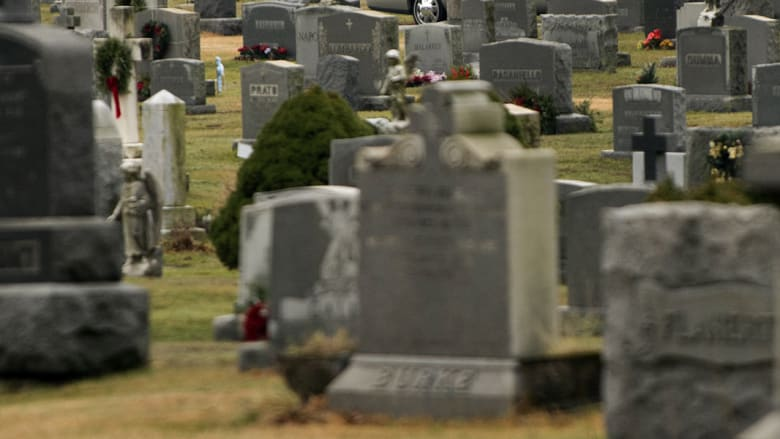 """أمريكي """"ينعي"""" نفسه قبل وفاته"""