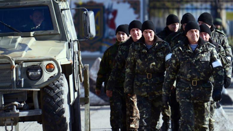 بعد مقتل جندي.. أوكرانيا تسمح لجنودها بالقرم باستخدام السلاح للدفاع عن النفس