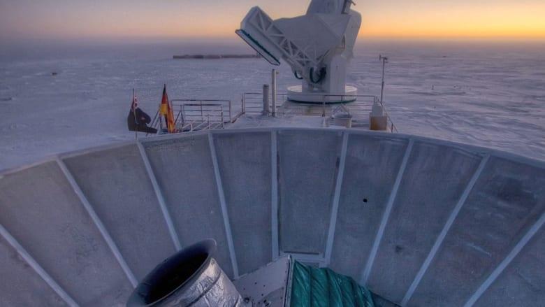 موجات الجاذبية تكشف نظرية الانفجار الكبير