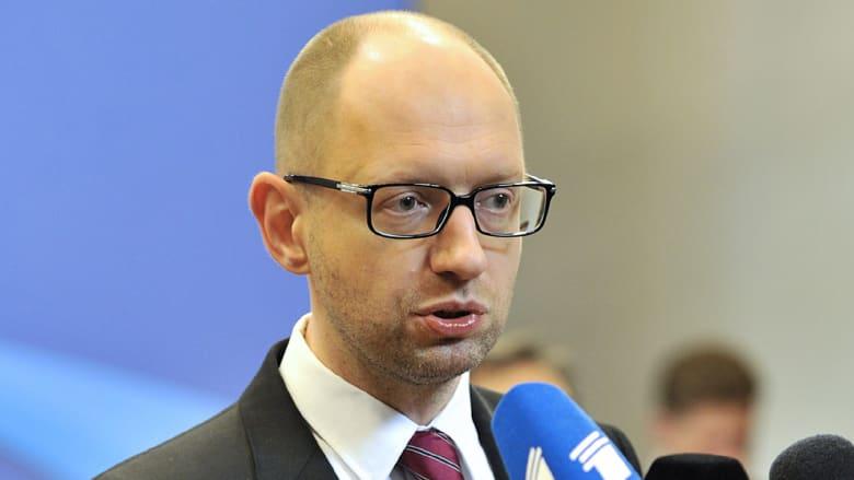 """القرم ضمن روسيا رسمياً وأوكرانيا ترد بـ""""شراكة"""" مع أوروبا"""