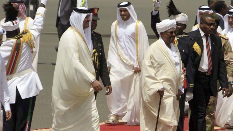 قطر تدعم السودان بمليار دولار والبشير يقدم للشيخ تميم مجموعة نوق