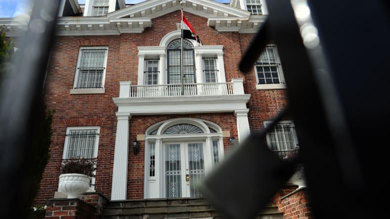 سوريا تكلف سفارتيها بأبوظبي والمنامة بمتابعة شؤون السوريين بالسعودية والكويت