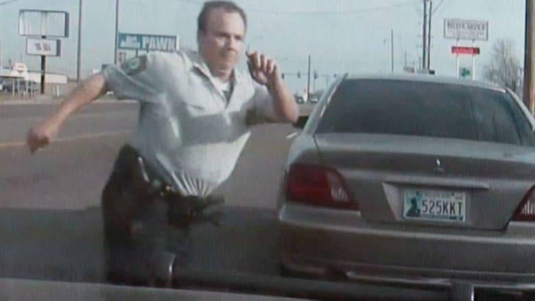 شرطي ينجو من الموت بأعجوبة