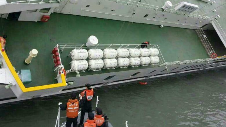 غرق سفينة الركاب الكورية الجنوبية وجهود انقاذ الركاب