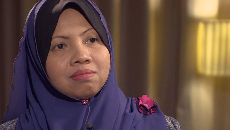 """زوجة أحد أفراد طاقم """"الماليزية"""".. صبر وانتظار"""