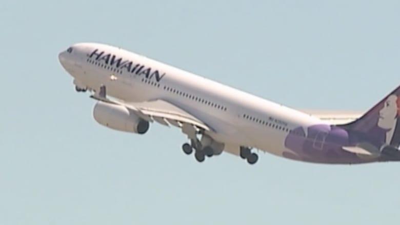 صبي تخفى في تجويف عجلات طائرة في رحلة لمدة 5 ساعات